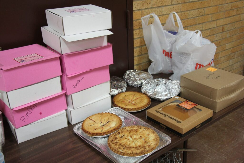 Thanksgiving 2016 - Sweetie-licious and other pie donations